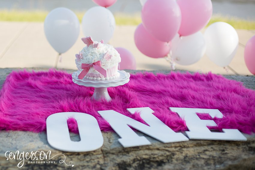 Tips for a Great Birthday Cake Smash or Smash Cake Photo Session