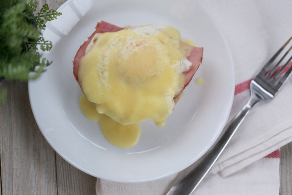 Easy Shortcut Eggs Benedict (No Poached Egg)