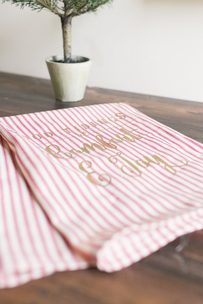 DIY Guest Bathroom Hand Towels with Quote featured by top US lifestyle blogger, Sengerson