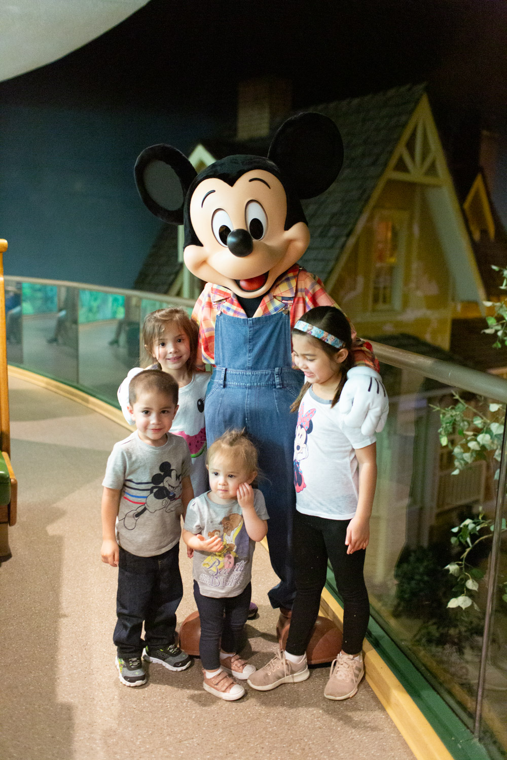 Disney restaurant review at Garden Grill Mickey Mouse photo