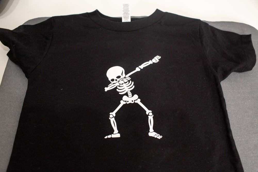 how to make a custom shirt with cricut
