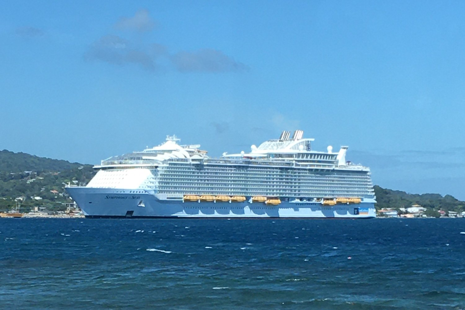 symphony of the seas 001