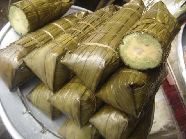 Making Banh Tet