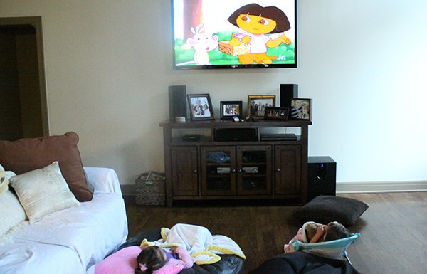 Dora, TV, sengerson, momhood