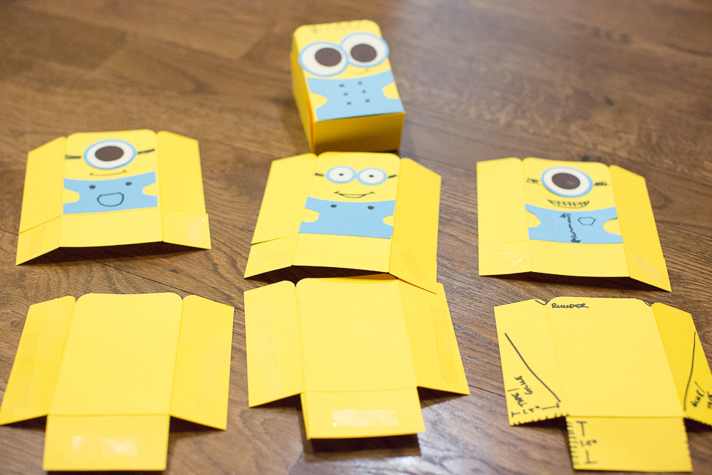 Despicable Me Minion Craft project for kids! Easy kids craft that any kid can make - and would be great for kids birthday parties!