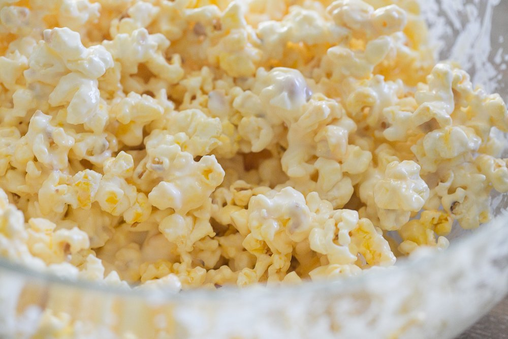white chocolate popcorn and mm 0011
