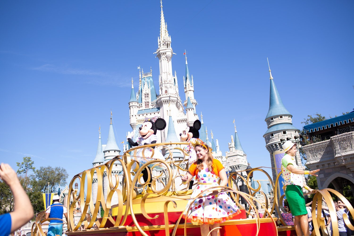 The BEST HACKS to Skipping Lines and Avoiding Crowds at Disney World (Some Free, Some Cost Money)