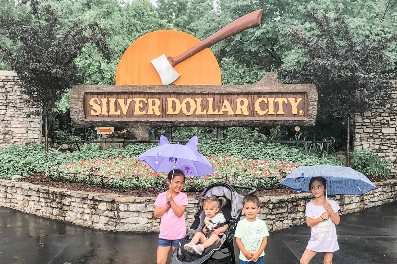 A REAL Review of a Silver Dollar City Theme Park - Sample Vacation Itinerary