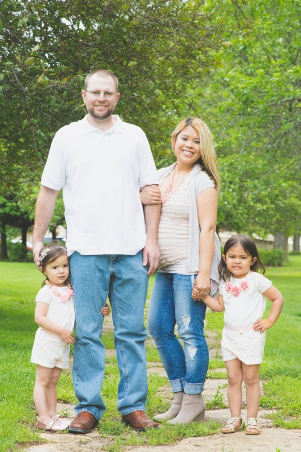 unity village family session lees summit pregnancy announcement