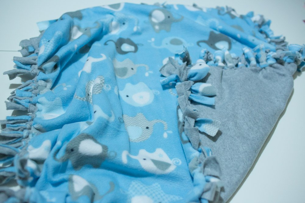 No Sew Fleece Baby Blanket Tutorial - 6 Easy Steps (with Photos)