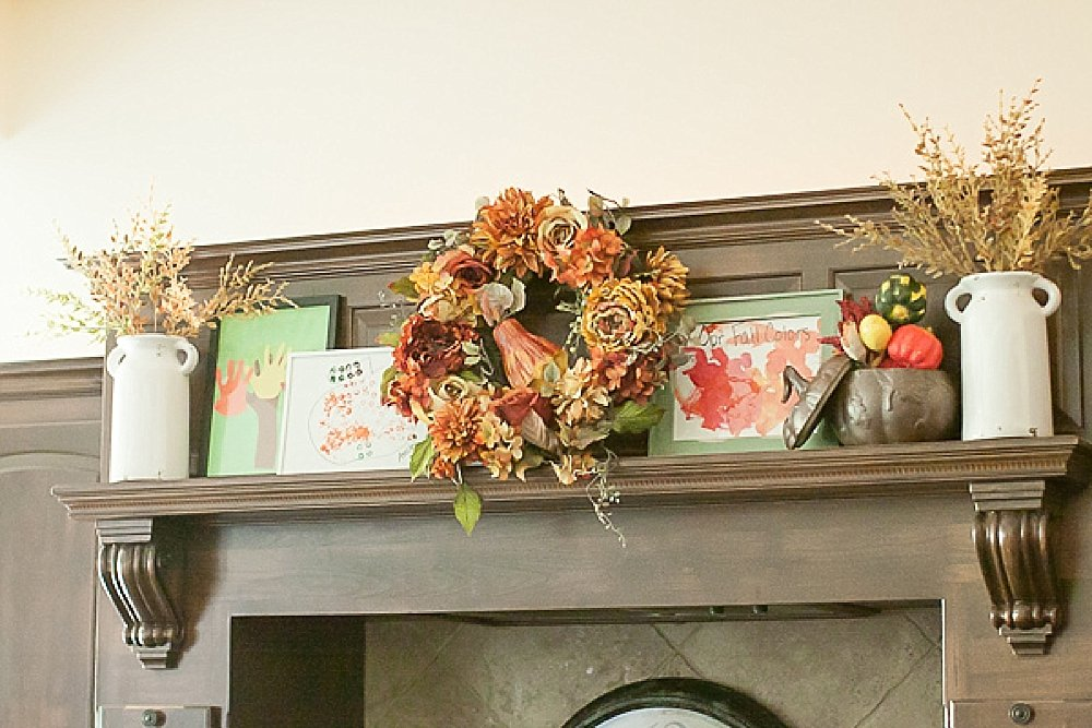 How to organize and then decorate your home using your kids artwork throughout the seasons from sengerson.com