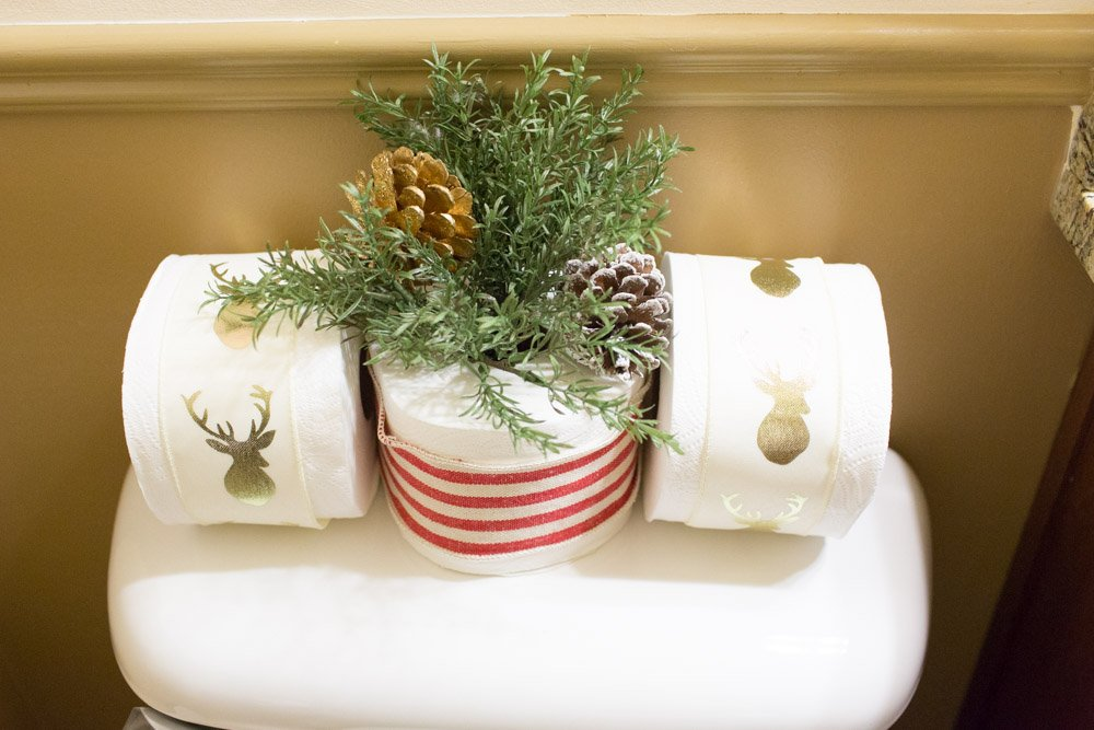 Christmas Decorating Ideas Bathroom