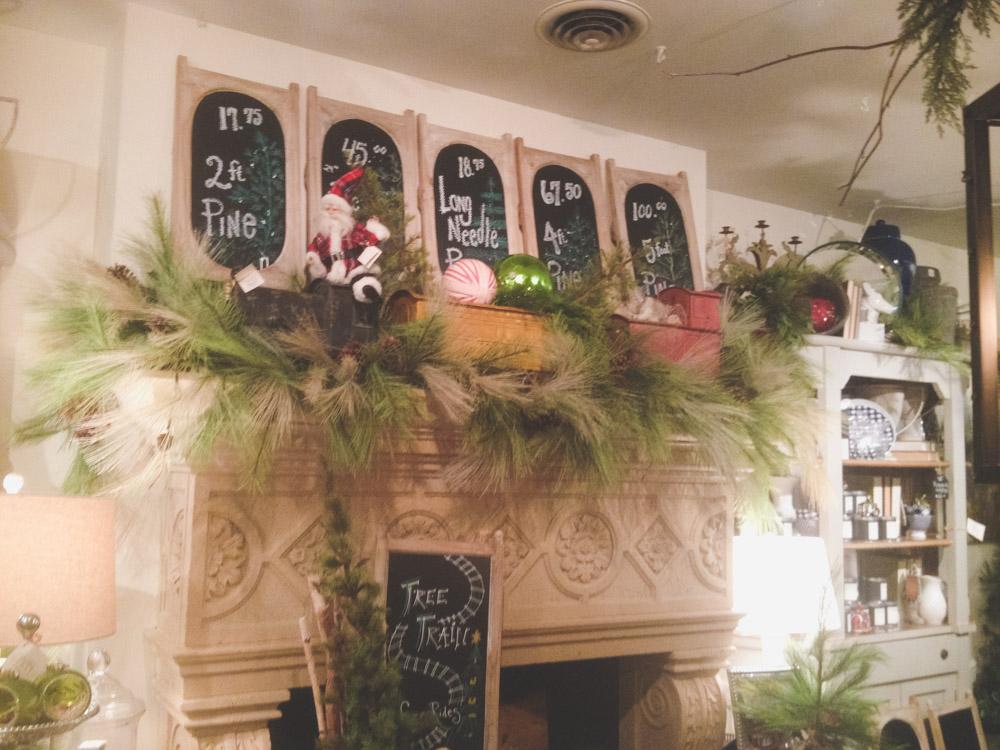 christmas-decorating-nell-hills-mary-carol-02