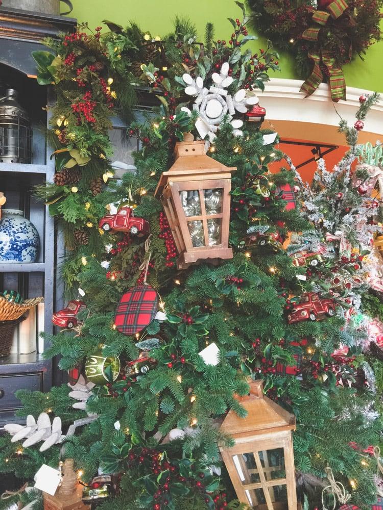 christmas-decorating-nell-hills-mary-carol-28