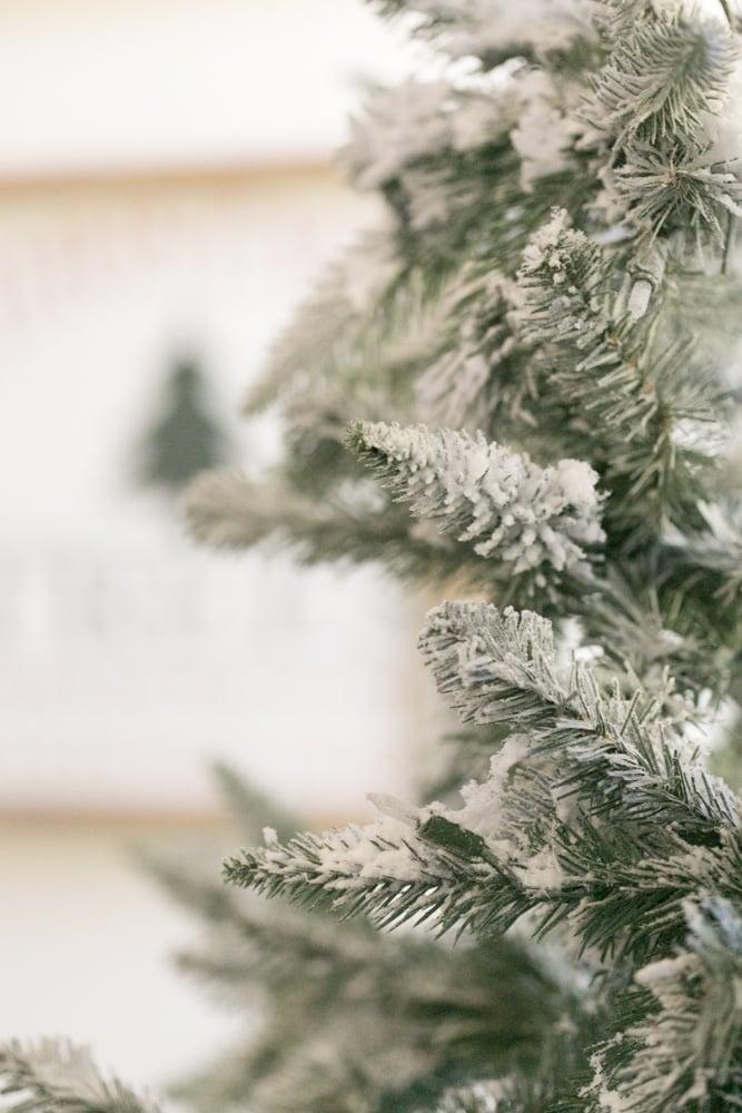 make christmas tree snowy