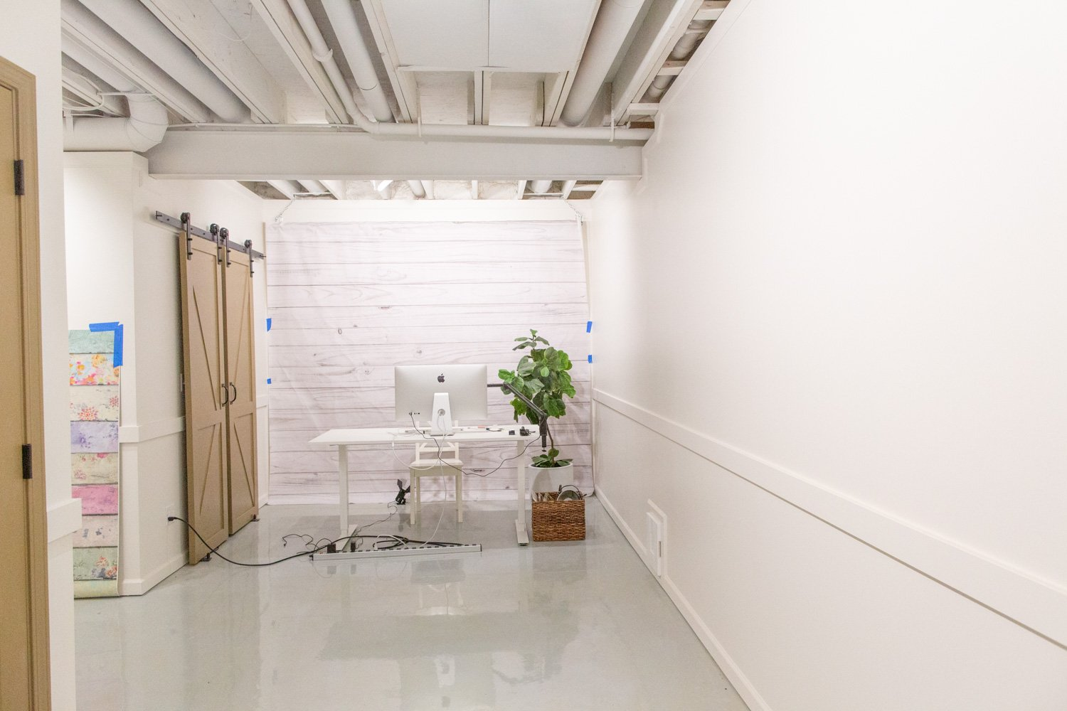 Image of: 5 Considerations For An Exposed A Basement Ceiling With Pictures