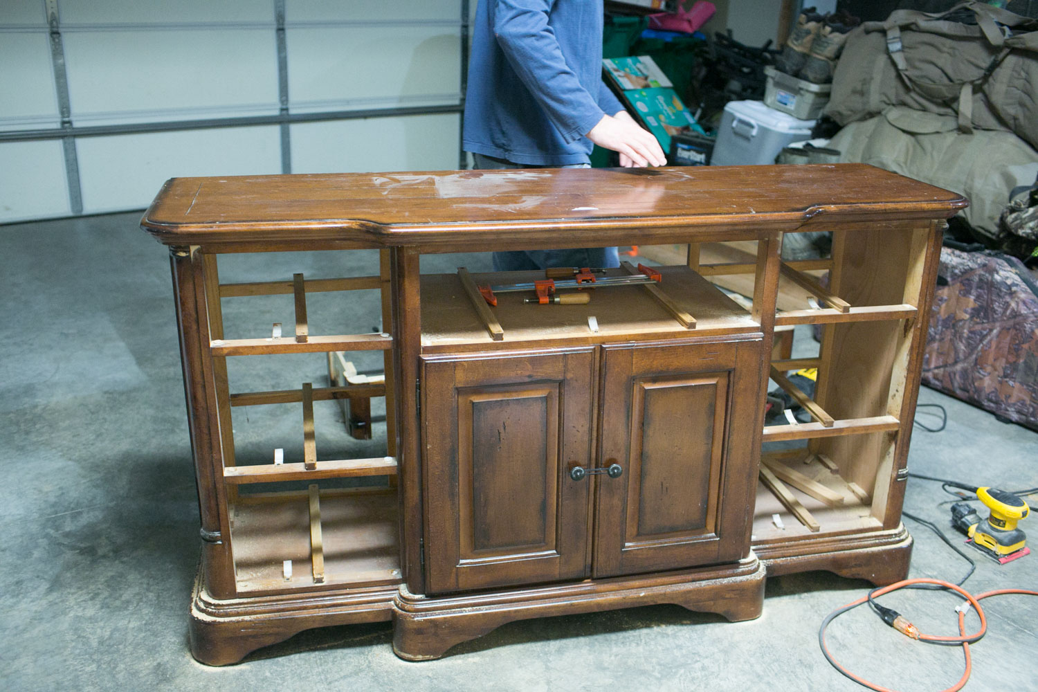 chalk paint sideboard preparation