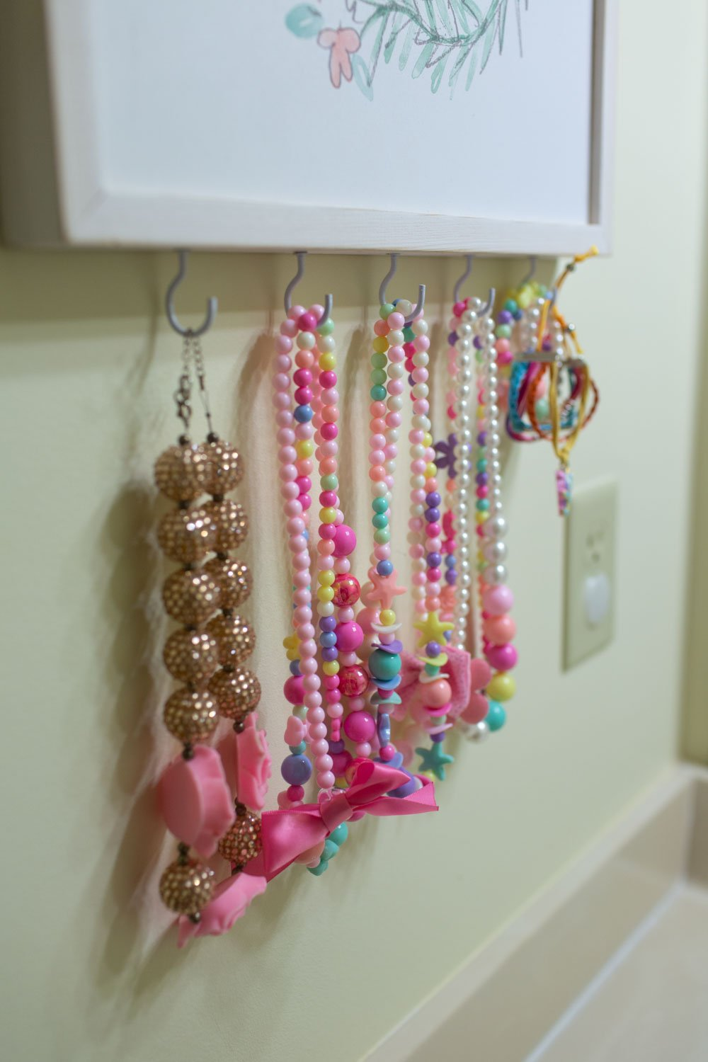 kids DIY jewelry organizer display