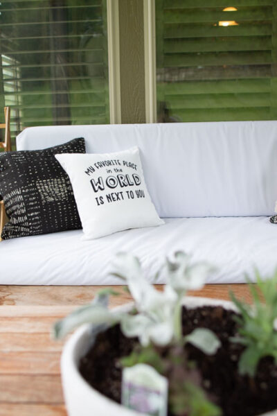 cricut throw pillows outdoors easy