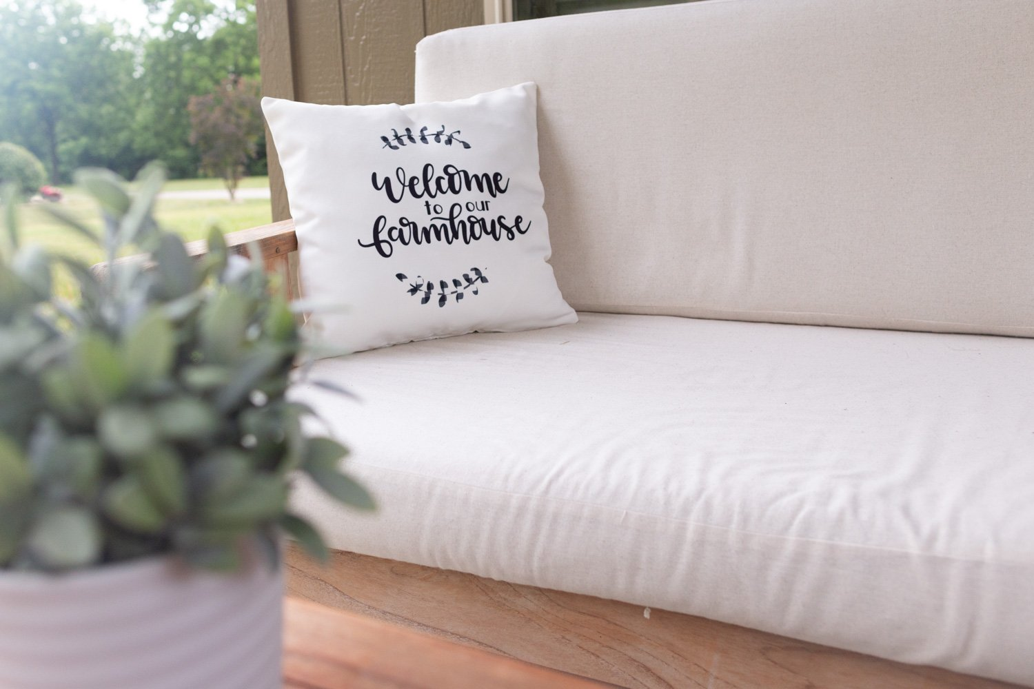 Cricut Pillows with Infusible Ink Transfer Sheets - Review and Tutorial for Beginners