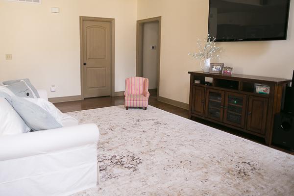 How to Choose a Rug Interior Design Surburban Home 0004