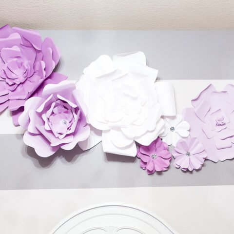 tutorial large flower wall art above bed-2