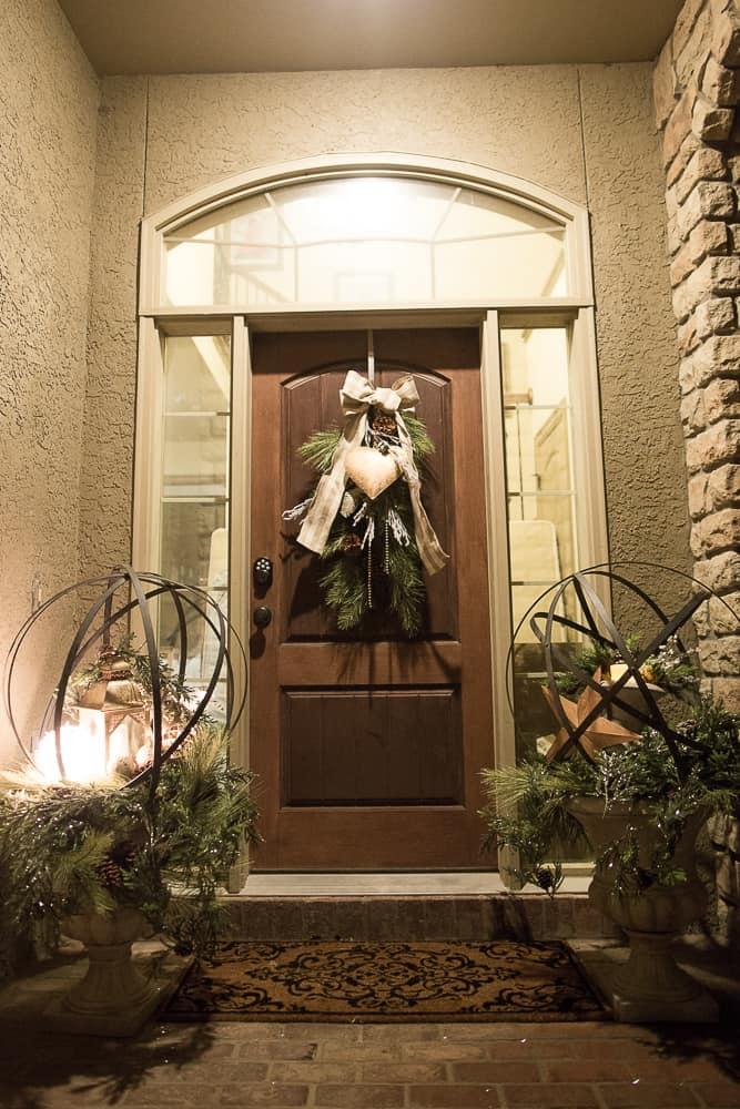 christmas foyer decor09