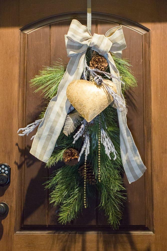 christmas foyer decor16