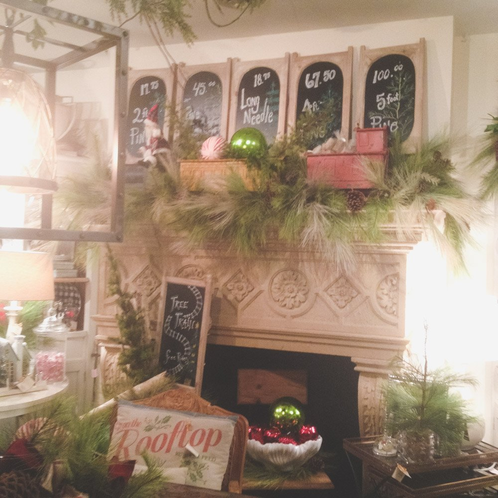 christmas-decorating-nell-hills-mary-carol-03