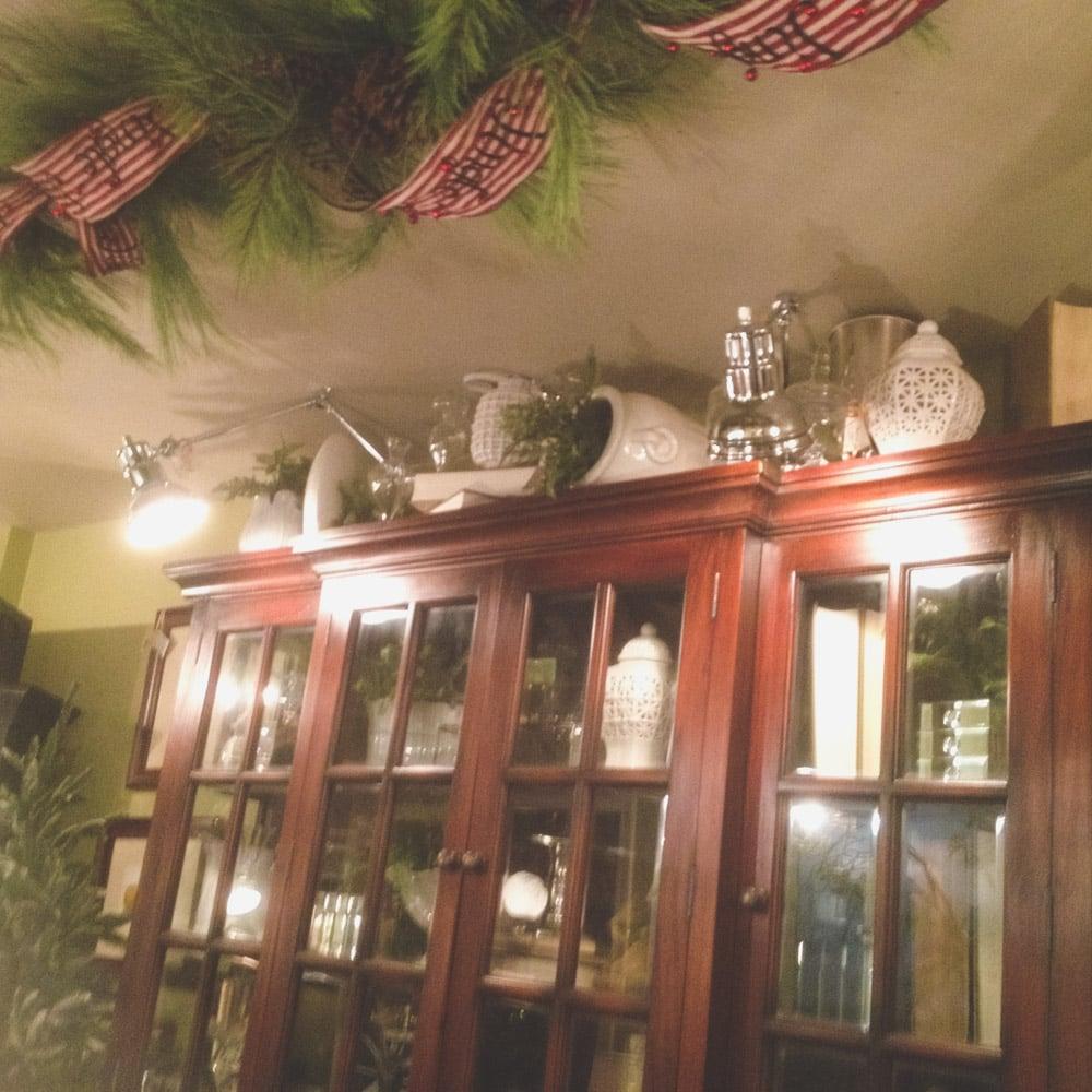 christmas-decorating-nell-hills-mary-carol-07