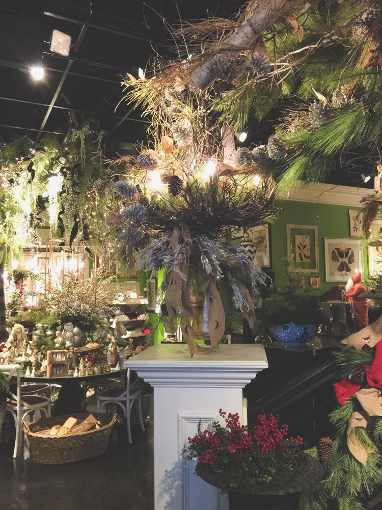 christmas-decorating-nell-hills-mary-carol-09