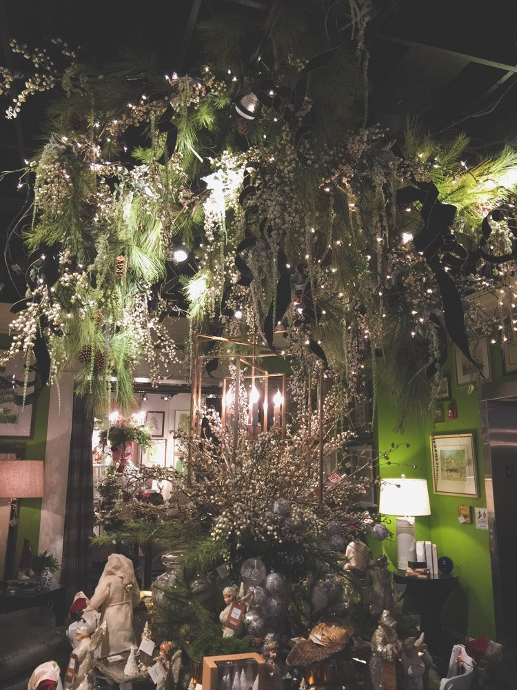 christmas-decorating-nell-hills-mary-carol-11