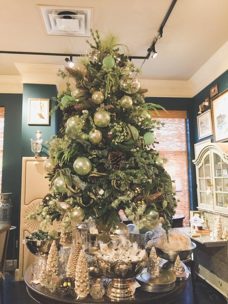 christmas-decorating-nell-hills-mary-carol-25