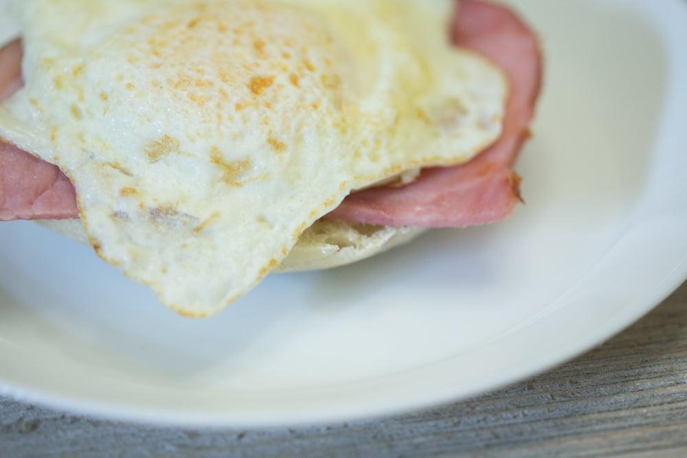 Easy Eggs Benedict recipe at home