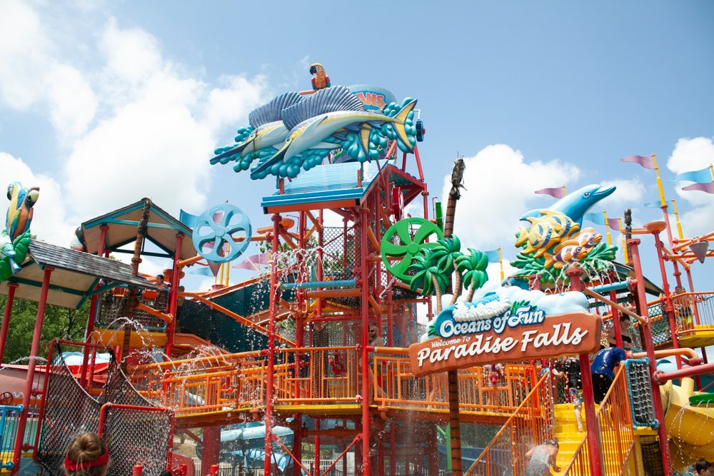 Oceans of Fun paradise falls - things to do in kansas city with kids