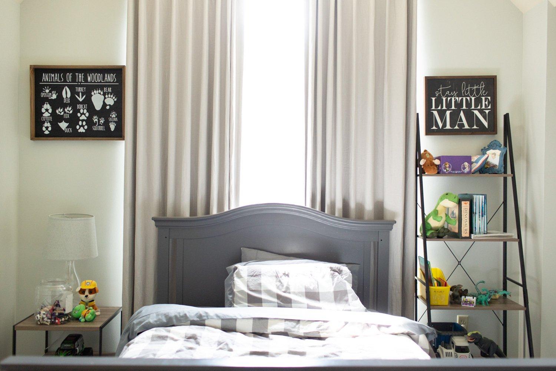 Benjamin Moore Gray Owl review in real bedroom.