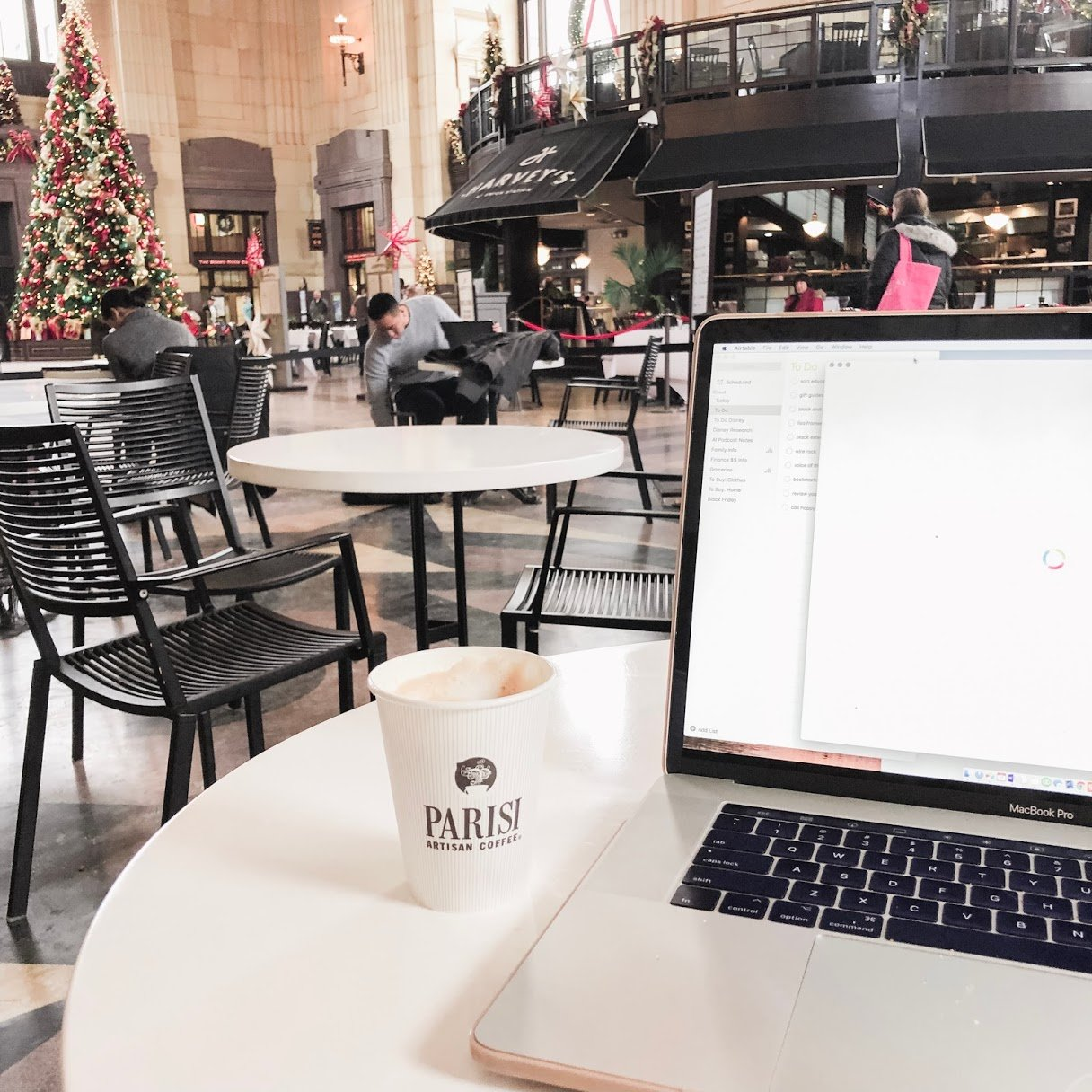 breakfast at union station - things to do in kansas city with kids