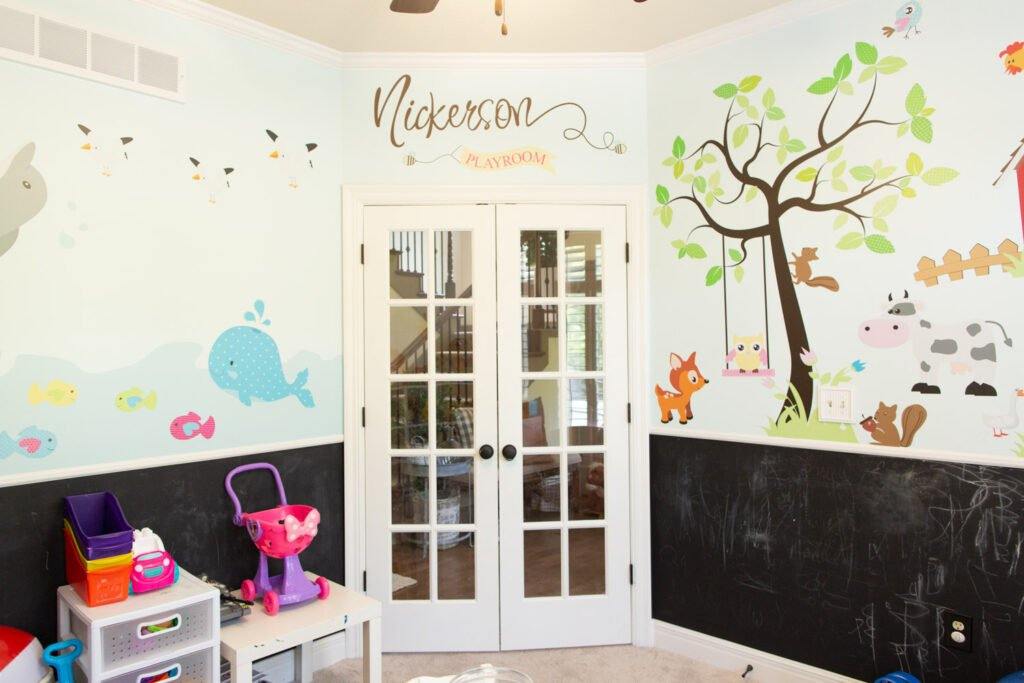 kids playroom door and decal