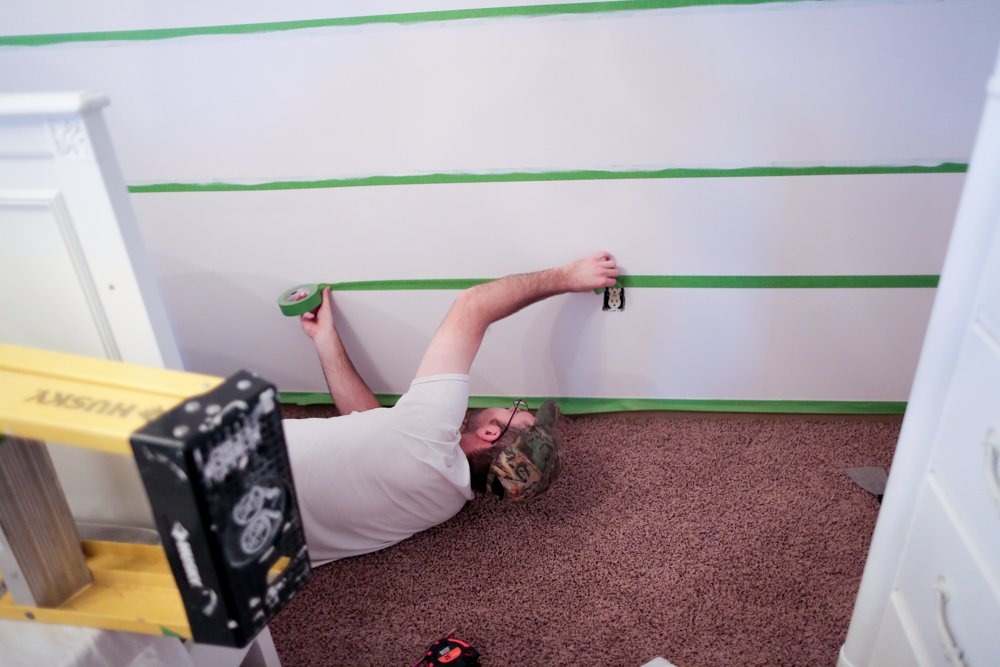 how to paint stripes on wall taping the bottom