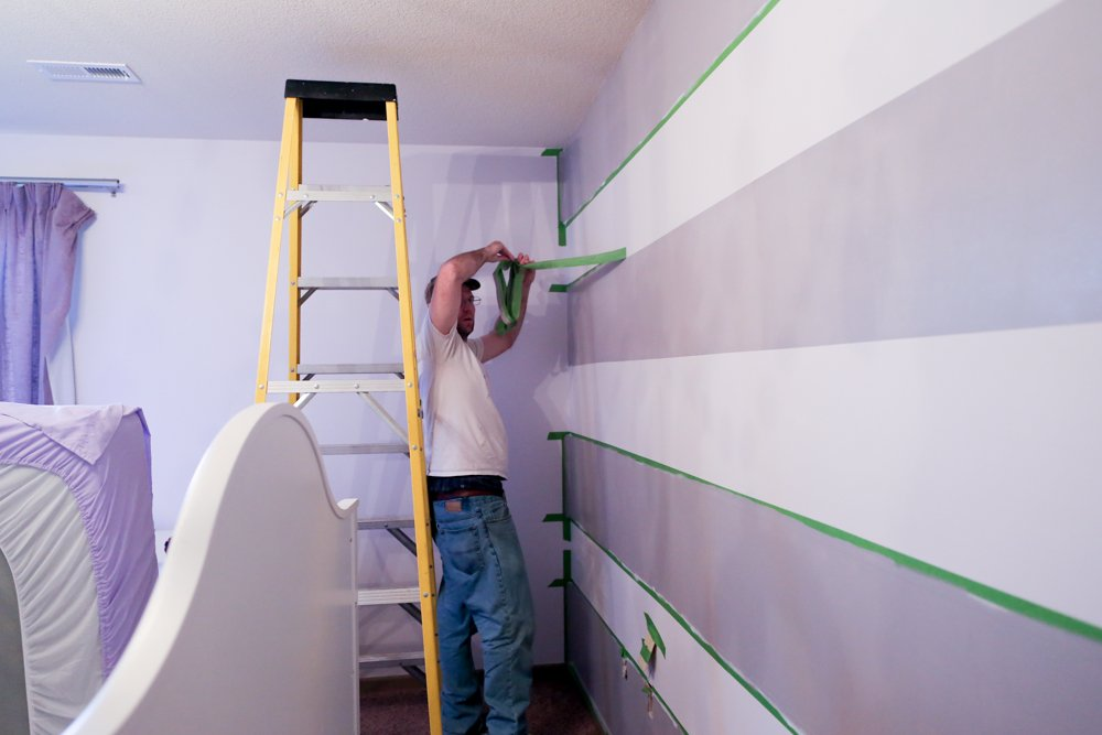 how to paint stripes on wall pulling off tape