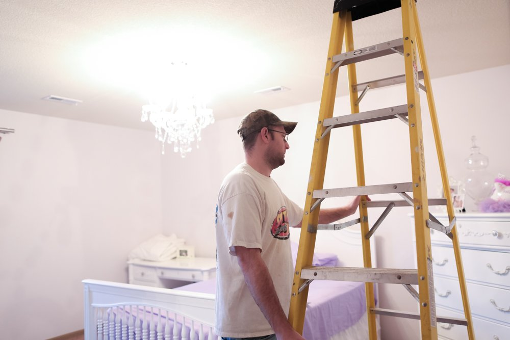 how to paint stripes on wall ladder