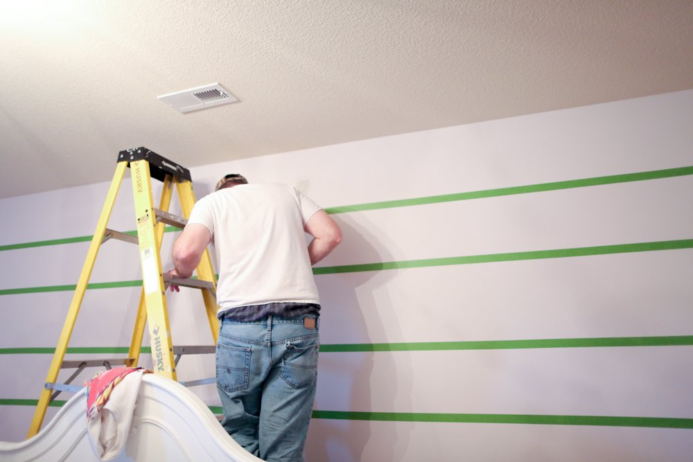 how to paint stripes on wall taping off the sections