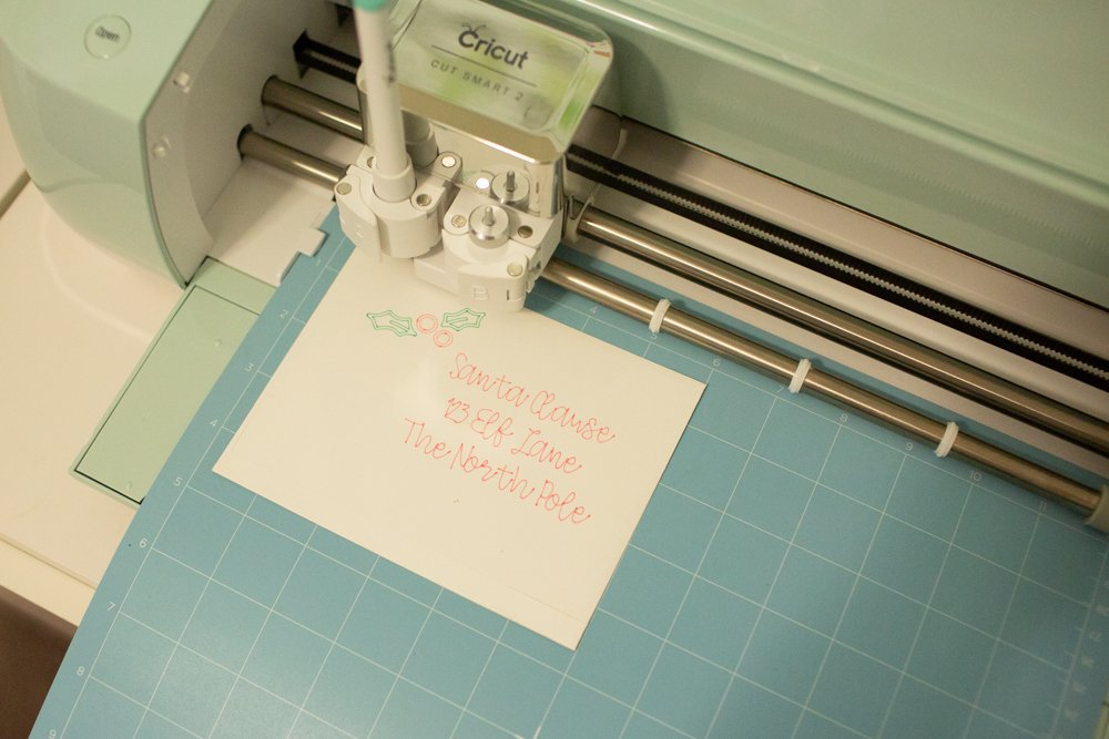 using markers and pens to write with cricut machine