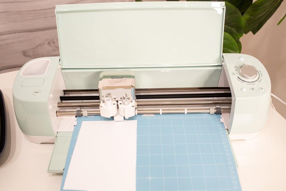 how to make a custom shirt with cricut cutting vinyl