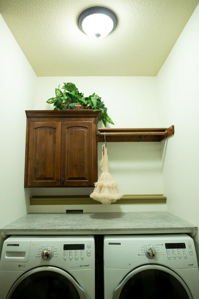 create countertop for laundry washer and dryer