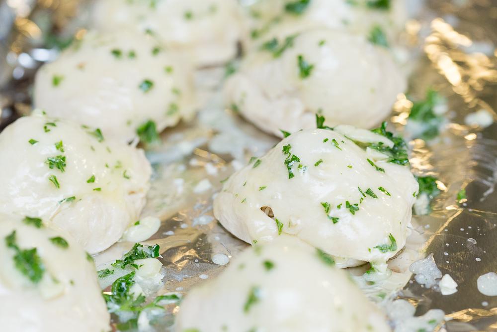 garlic parmesean biscuits with meatballs19