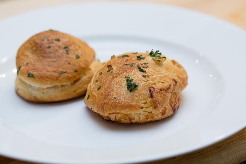 garlic parmesean biscuits with meatballs21