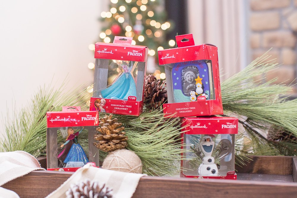 reindeer kissing ornament project100
