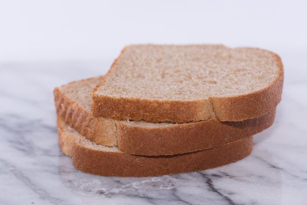 poor man's garlic bread from regular bread| Homemade garlic bread recipe featured by top US food blogger, Sengerson