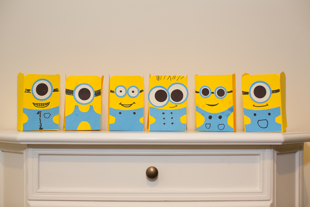 Despicable Me Minion Craft  - Paper Snack Holder | Easy Kids Project